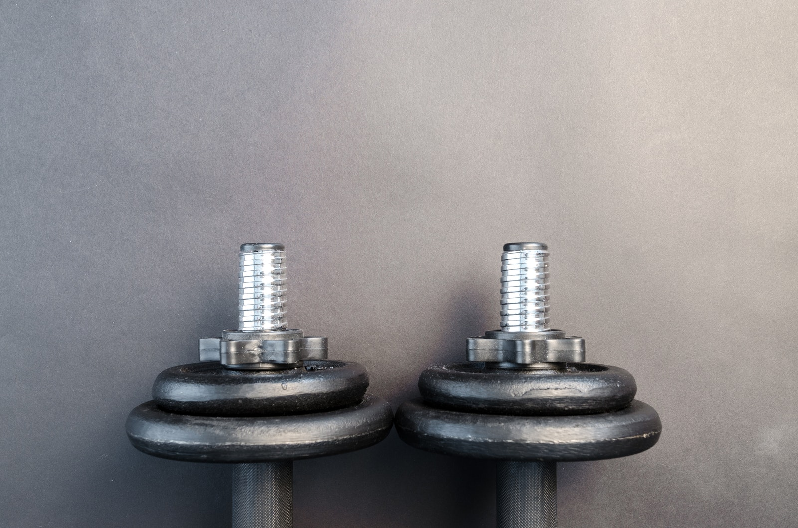 Dumbbell hand weights for strength training and muscle building at home