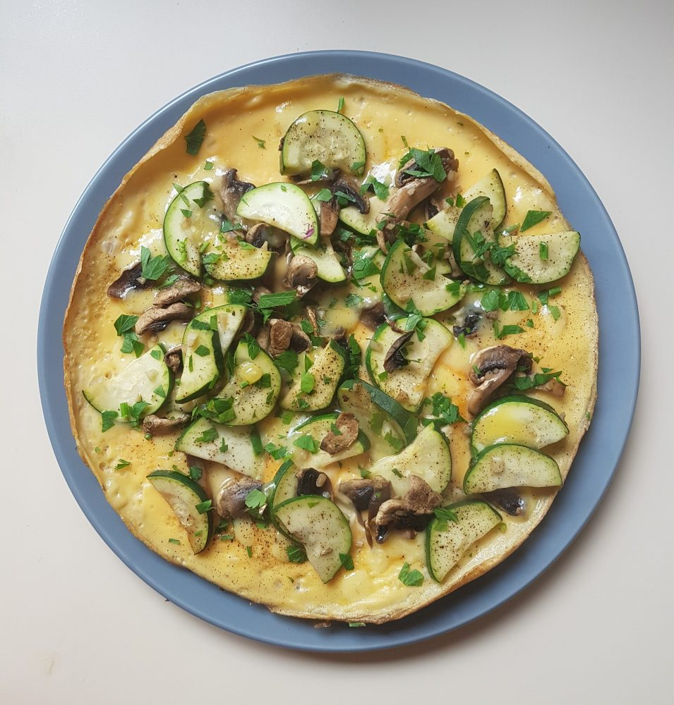One skillet zucchini and mushroom omelette for a fast healthy breakfast